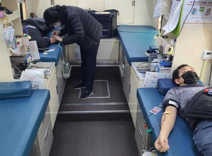 20210111_인천 로봇기업人 헌혈2.jpg